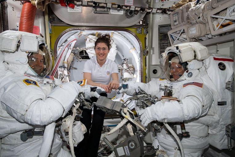 Astronauten aan boord van het internationale ruimtestation ISS. Beeld EPA