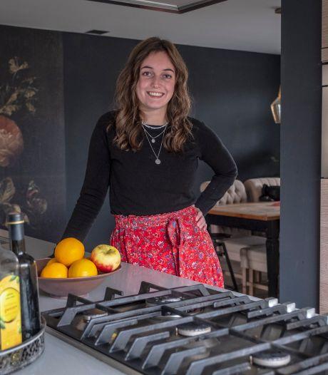 Riefkuukskes en kappesmoes: Amy maakt kookboek met Groesbeekse gerechten