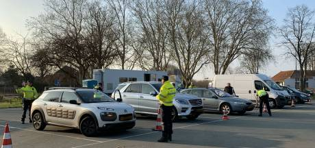 Grote politiecontrole in Den Bosch, meerdere voertuigen in beslag genomen