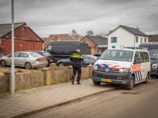 Politie stuit op xtc-pillendrukkerij in schuur Bergharen