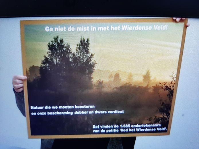Bijna 1.600 mensen ondertekenden de petitie van GroenLinks Hellendoorn en de PPW om de huidige Natura 2000-status van het Wierdense Veld te behouden.