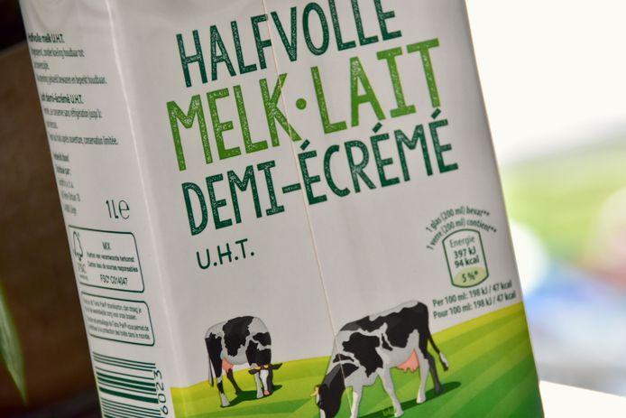 De vergeten voorraad melk komt een man uit Menen nu wel duur te staan.