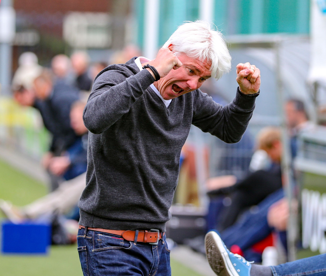 Hoek-trainer Jannes Tant