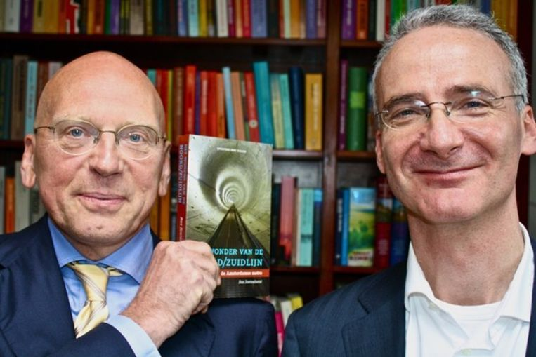 Uitgever Mai Spijkers met Bas Soetenhorst. ©Het Parool/Charlotte van Drimmelen Beeld