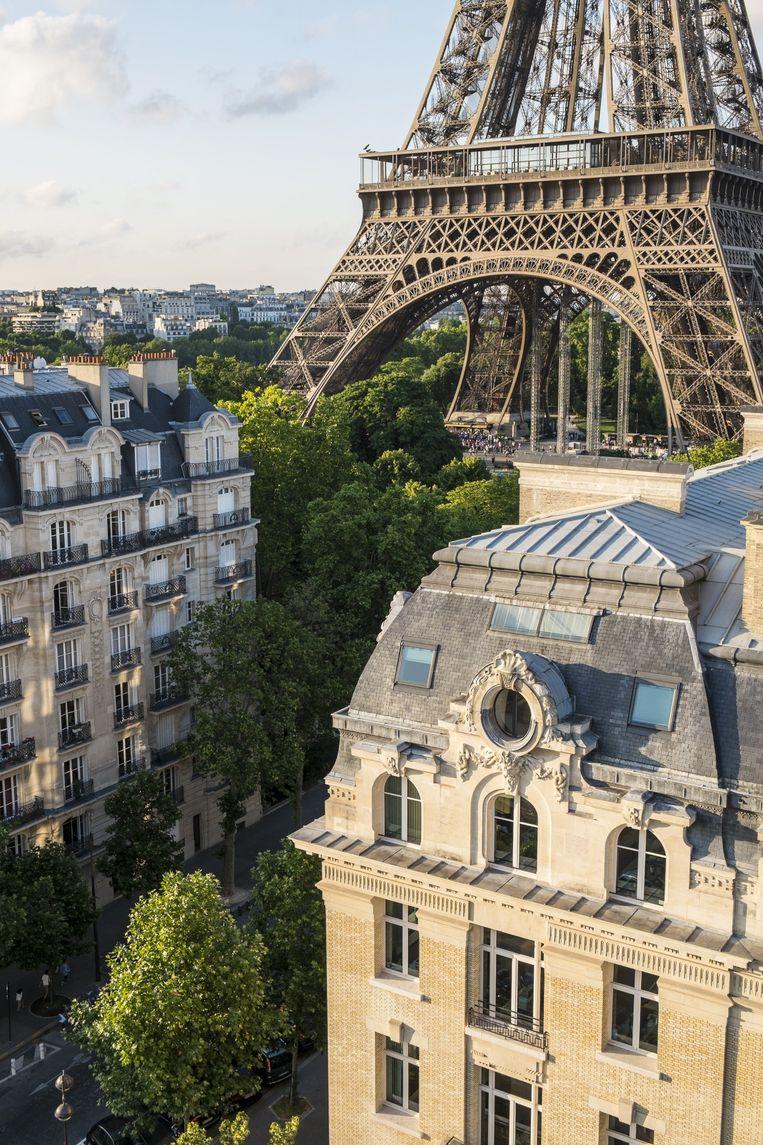 Fotobijschriften Stad - Parijs. 'Als jongen droomde ik er heimelijk van om met ons gezin in zo'n klassiek appartement in Parijs te wonen, midden in het volle leven.' Beeld GARDEL Bertrand / HH