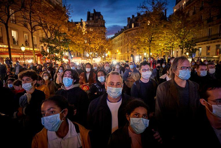 Duizenden mensen kwamen bijeen op de Place de la Sorbonne. Beeld Getty Images