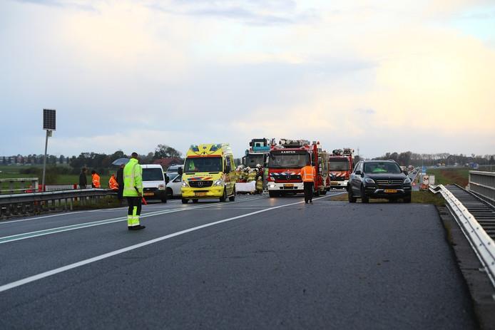 Een van de vele recente aanrijdingen op de N50. Foto: News United / Stefan Verkerk