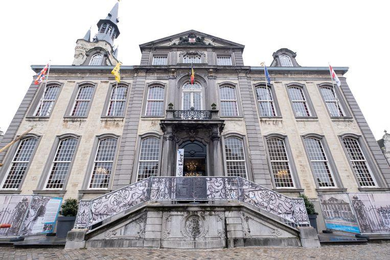 Visit Lier bevindt zich in het historische stadhuis op de Grote Markt. Achteraan het gebouw is er een lift.