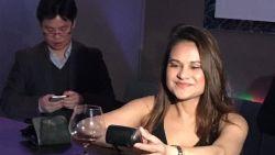 Deze jongedame breekt het wereldrecord 'duurste shot' ooit