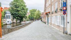 """Toeristen blijven weg uit Brugge: """"Te duur? Koffie kost hier evenveel als in Gent of Antwerpen"""""""