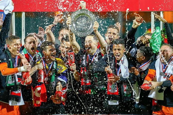 NEC werd in 2015 kampioen en promoveerde naar de eredivisie.