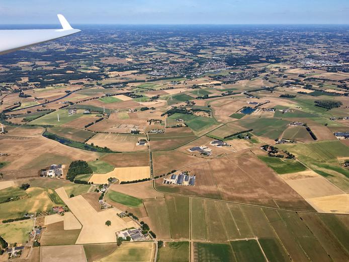 De droogte in de Achterhoek is vanuit de lucht goed zichtbaar.