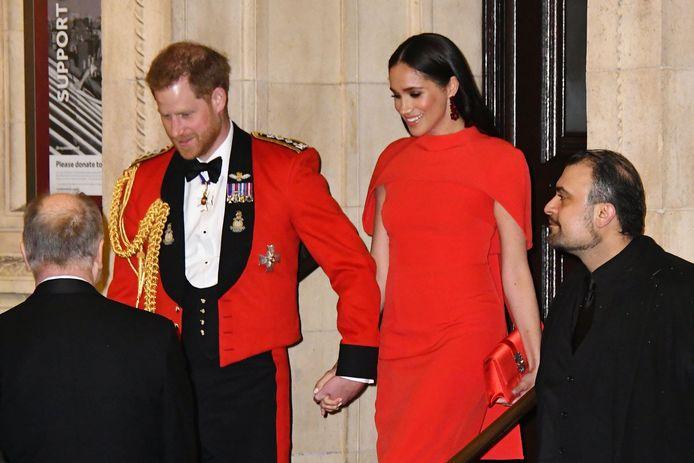 Harry et Meghan ont enfreint le protocole en se tenant la main en public.