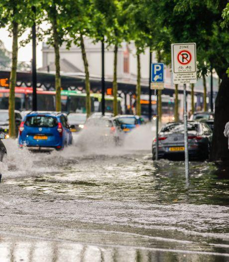 Noodweer veroorzaakt 130 meldingen van wateroverlast en stormschade