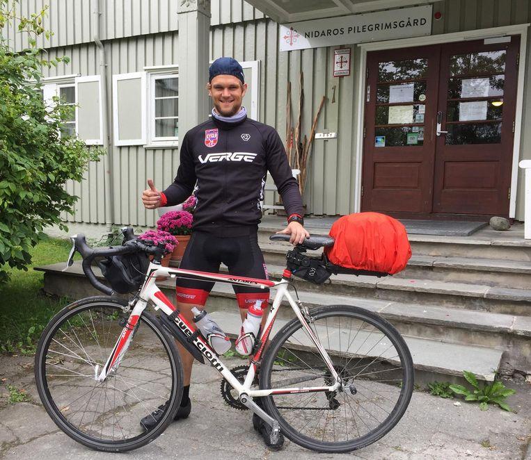 Pieter Vanhoutte (27) uit Bavikhove, die op 19 juli met de fiets naar Noorwegen vertrok, is aangekomen in Trondheim.