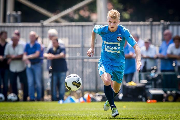 Jari Schuurman zit in de definitieve selectie van achttien spelers voor het EK onder 19 in Duitsland