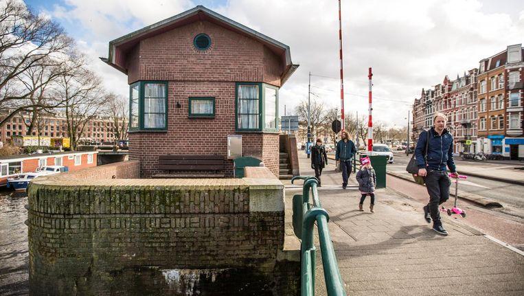 Kattenslootbrug, Nassaukade - Kostverlorenvaart. Vanaf 200 euro per nacht Beeld Eva Plevier