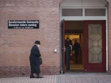 Burgemeester Barneveld over groot aantal bezoekers bij kerk: 'Luister naar advies regering'