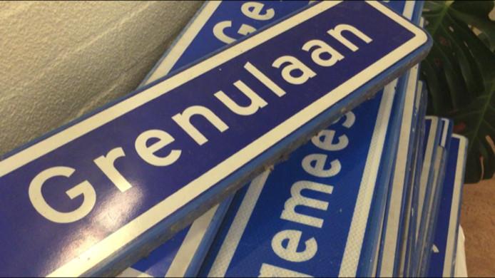 Bijna tachtig oude straatnaamborden vonden eind 2019 een nieuwe eigenaar tijdens de veiling in De Triangel.