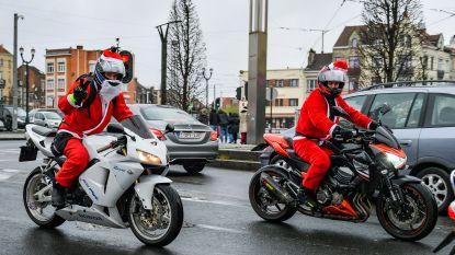 IN BEELD: Kerstmannen op de motor in Brussel