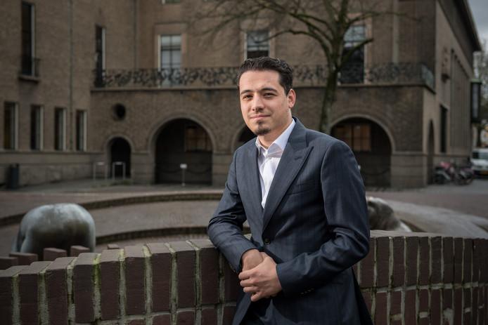 Raadslid Enes Sariakce ziet geen salafistisch onderwijs in Enschede.
