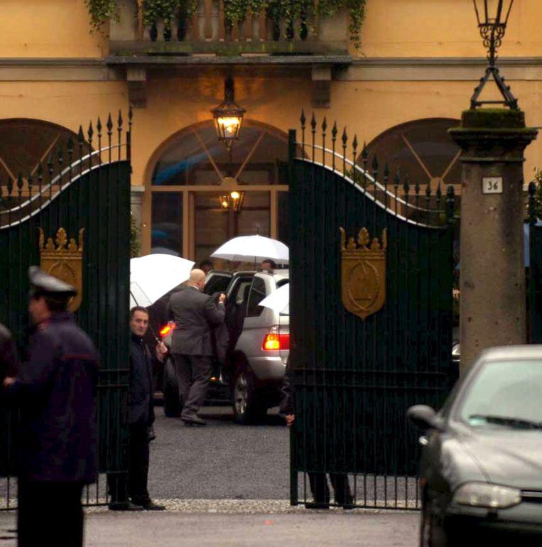 Berlusconi's villa San Martino in Arcore, waar de staatsman zijn seksfeesten organiseerde. Beeld anp