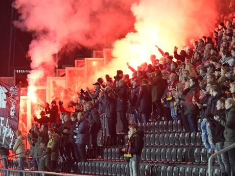 KNVB neemt ook tweede vuurwerkactie voor ernstig zieke Eagles-supporter onder de loep