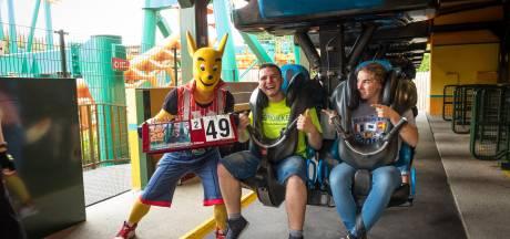 Missie volbracht: Joey (18) maakt 222 ritjes in helse achtbaan in Walibi voor het goede doel