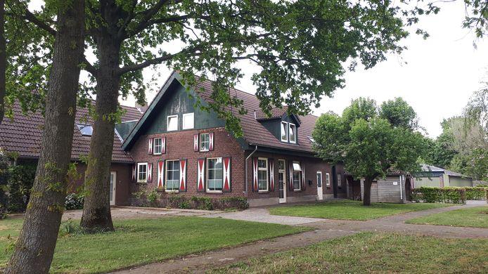 In voormalig landgoed Dintherstaete in Heeswijk-Dinther huizen  35 arbeidsmigranten.