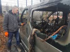 Stratenmaker uit Kampen gedupeerd door brand in bedrijfbus: 'Wie heeft dit gedaan?'