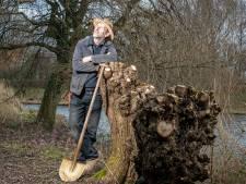Tuinman Jan schrijft ode aan het Zoetermeerse groen: 'Elke dag is anders in de tuin'