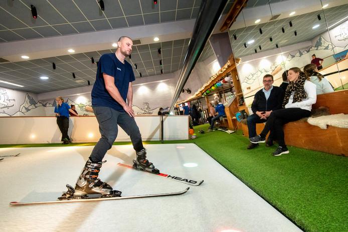 Nick Oudendag oefent nog even voor hij op skivakantie gaat.