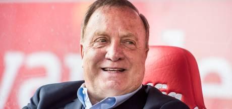 Dickie bedankt! FC Utrecht-supporters hebben afscheidsboodschap voor Advocaat