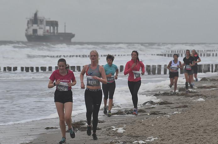 De omstandigheden waren niet ideaal tijdens de Ladiesrun.