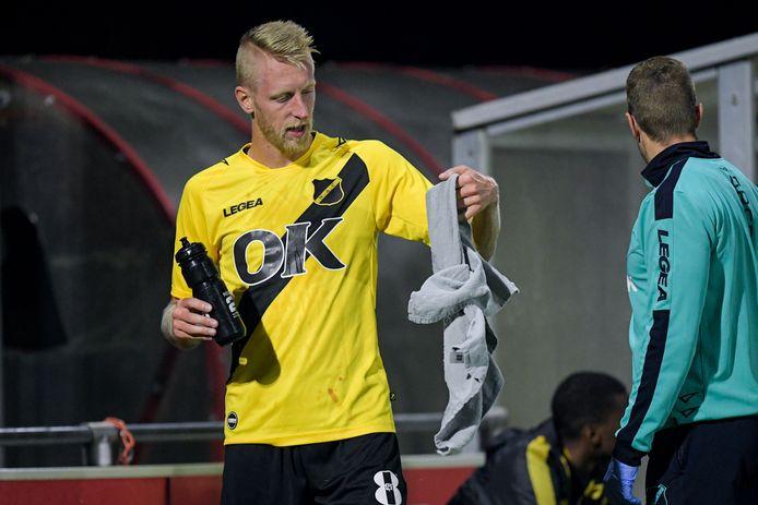 Lex Immers moest tegen Jong FC Utrecht voortijdig naar de kant.