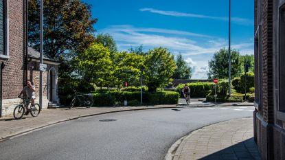 Na klachten over veiligheid zwakke weggebruikers in Sint-Ursmarusstraat: ook eenrichtingsverkeer voor fietsers