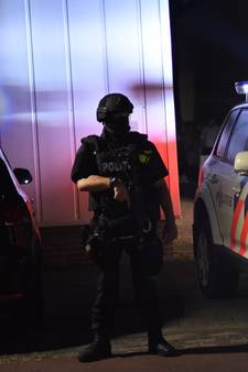 Zwaarbewapende agenten ingezet bij drugsonderzoek op Vlierdensedijk in Helmond