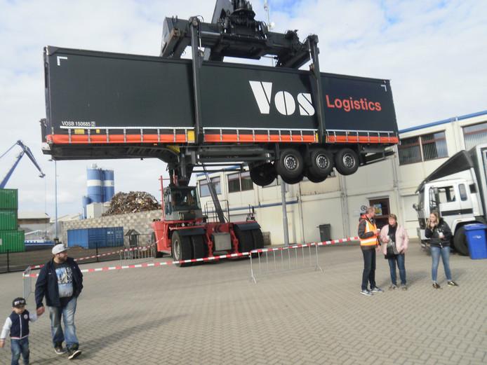 'Vliegende vrachtauto's' bij OOC Terminals.
