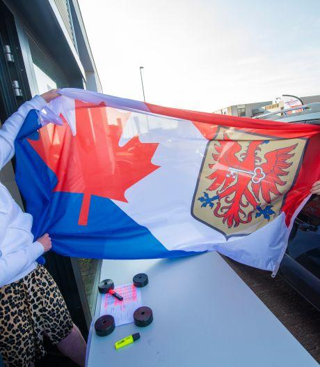 'Drive-thru' om alle Apeldoornse bevrijdingsvlaggen bij de kopers thuis te krijgen