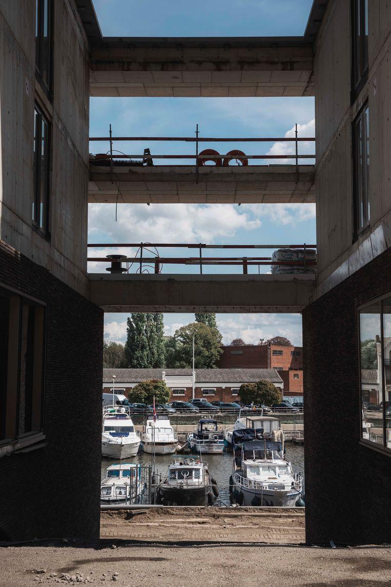 Het project is gebaseerd op het stadsbeeld van een Zuiderse havenstad.