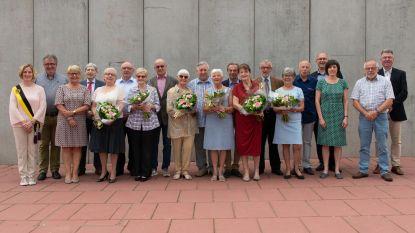Huwelijksjubilarissen ontvangen door gemeentebestuur in zaal Het Halfdiep
