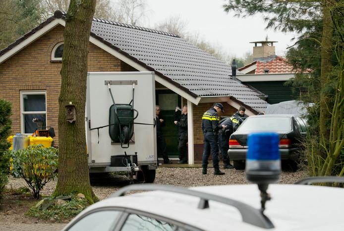 De politie doet de komende tijd invallen op vakantieparken om illegaliteit en criminaliteit te bestrijden.
