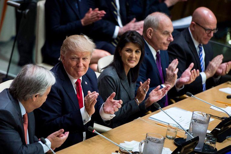 President Trump neemt het applaus graag in ontvangst Beeld afp