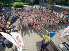 VIDEO: Jubilerende Verkeersbrigadiers Gilze in zonnetje gezet