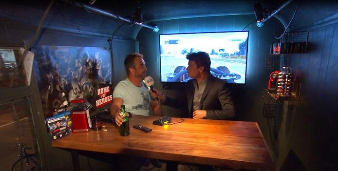 Michael en Beau in de keet, woensdagavond tijdens de uitzending van de talkshow
