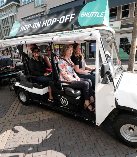 Hop-on-hop-off shuttle rijdt weer door centrum Doetinchem