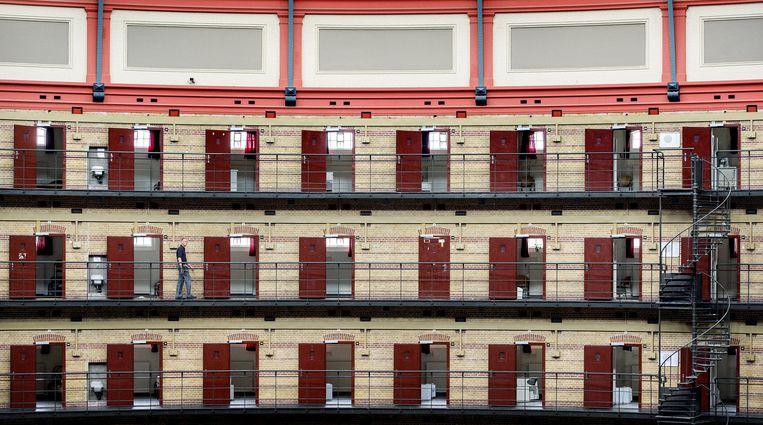 Een cipier in de Koepelgevangenis in Breda. Beeld anp