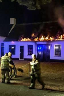Brand in gerenoveerde smederij Lage Vuursche aangestoken