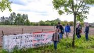 200-tal deelnemers aan protestwandeling 'Red De Roomacker': burgerinitiatief zet acties verder tegen geplande verkaveling