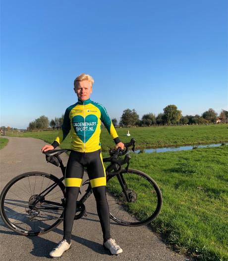 Schaatser Tom den Heijer heeft boeiend weekend: eerst in het witte pak, dag later in vol Thialf